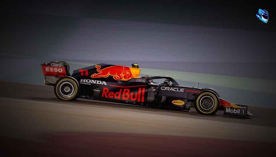 Checo debuta con Red Bull